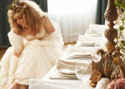 Bröllopsdukning med brud
